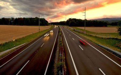 ¿CÓMO INCORPORARSE O ABANDONAR UNA AUTOVÍA CON SEGURIDAD?